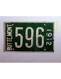 old Montana metal license plates 2